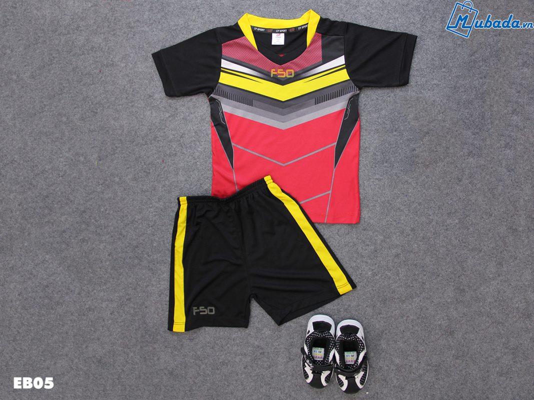 Quần áo thể thao trẻ em T90 đen